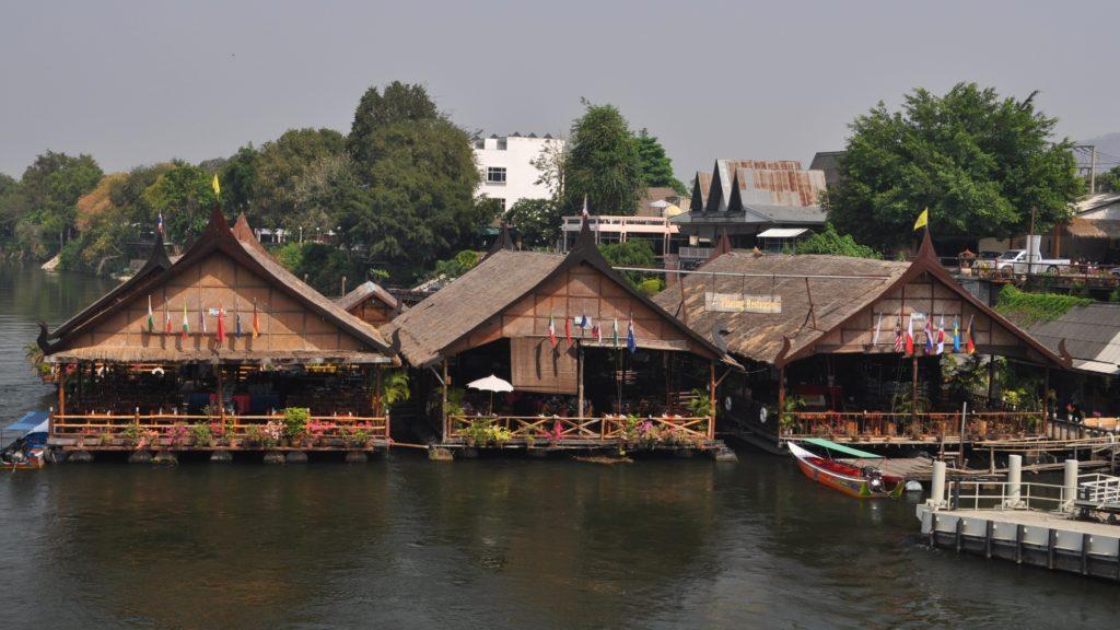 Restaurants flottants à Kanchanaburi